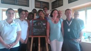 Véronique Trouillet entourée des élèves de BTS tourismes .